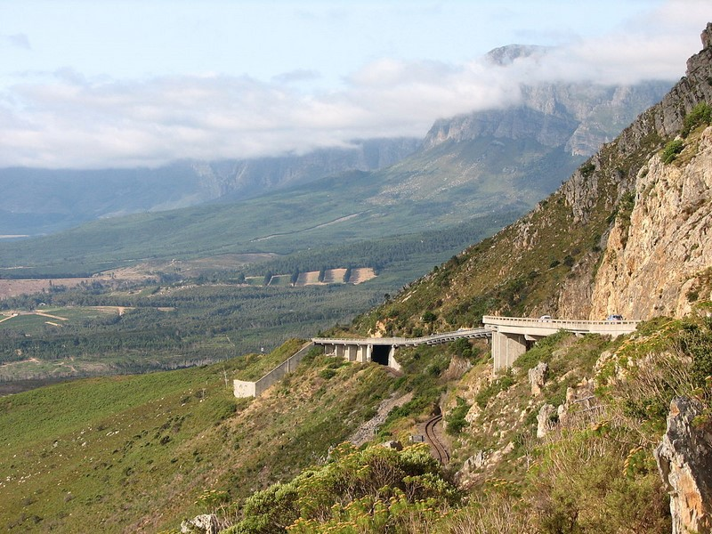 N2 Section 2 between Gordons Bay Intersection and Houw Hoek Pass